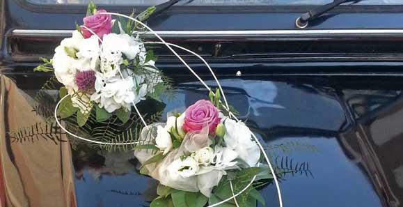 Brautauto-Schmuck zur Hochzeit